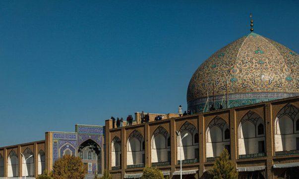 جنجال شیخ لطف الله ادامه دارد، نشست بی نتیجه در اصفهان